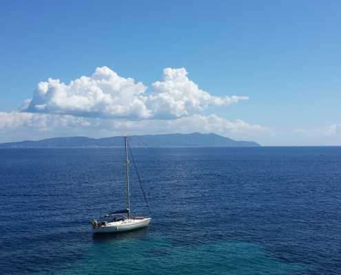 week end in barca a vela isole toscane